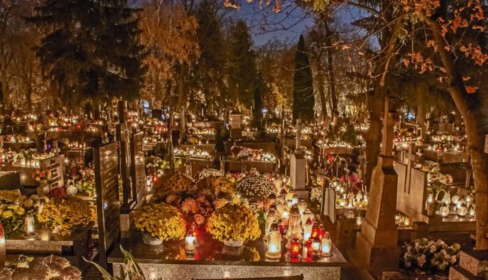Wszystkich Świętych na cmentarzu komunalnym oraz Zaduszki na cmentarzu parafialnym 2018 (fot. Krzysztof Kuźniewski)