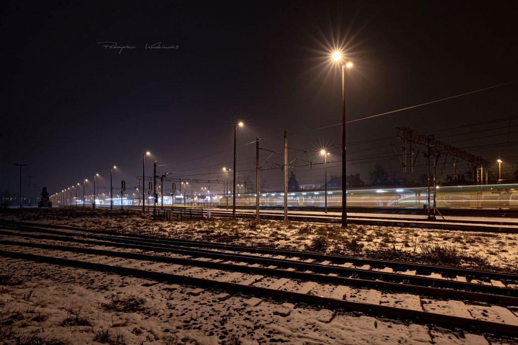 PKP noca Ciechanow ciechanowiak Przemyslaw Kuzniewski fotografia